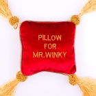 Pillow for Mr. Winky (EN)